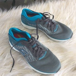 Sketchers yoga max size 7 1/2 teal /gray New